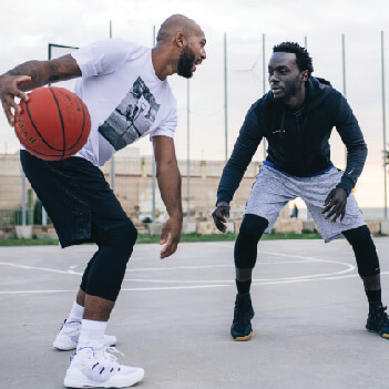 https://www.decathlon.tw/zh/basketball-clothes-adults